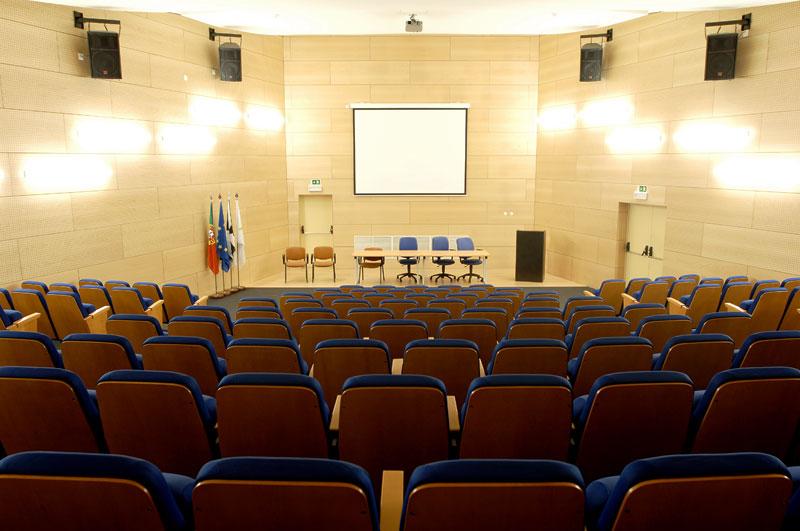 Auditório dos Serviços Sociais da Câmara Municipal de Lisboa 4677489142e