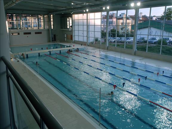 S tio da c mara municipal de lisboa equipamento for Juntas piscina